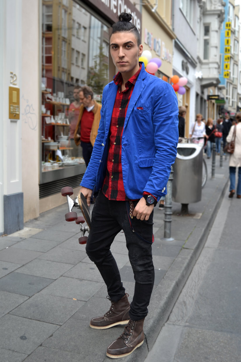 Amir on Ehrenstraße, scotch & soda, scotch and soda, fashion, blue jacket, plaid, shirt, skater, skateboard, sherd, denims, jeans, boots, brown, cool, fashionable, streetstyle, skaterstyle, streetfashion, cologne, germany, shopping, boy, man, menswear