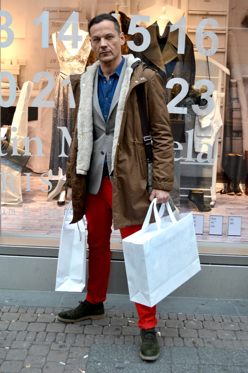 Carsten at H&M Neumarkt, Cologne, Maison Martin Margiela, Zara, Gucci, man, menswear, coat, blazer, red denims, colour blocking, british, heritage, streetfashion, streetstyle, designer colloaboration, AW 12/13, chic, shirt