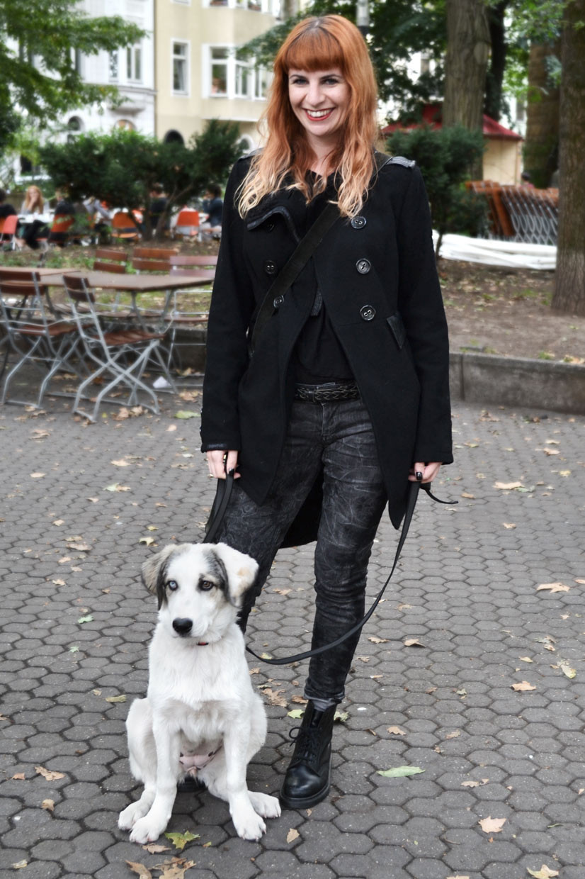 Melanie & Mayla on Brüsseler Platz, Cologne, chic belgique, black, doc martens, tigerhill, gothic, goth girl, red hair, dog, animal, fashion, fashionblog, weblog, thisishype, thisishype.com, www.thisishype.com, This Is Hype, coat, H&M,