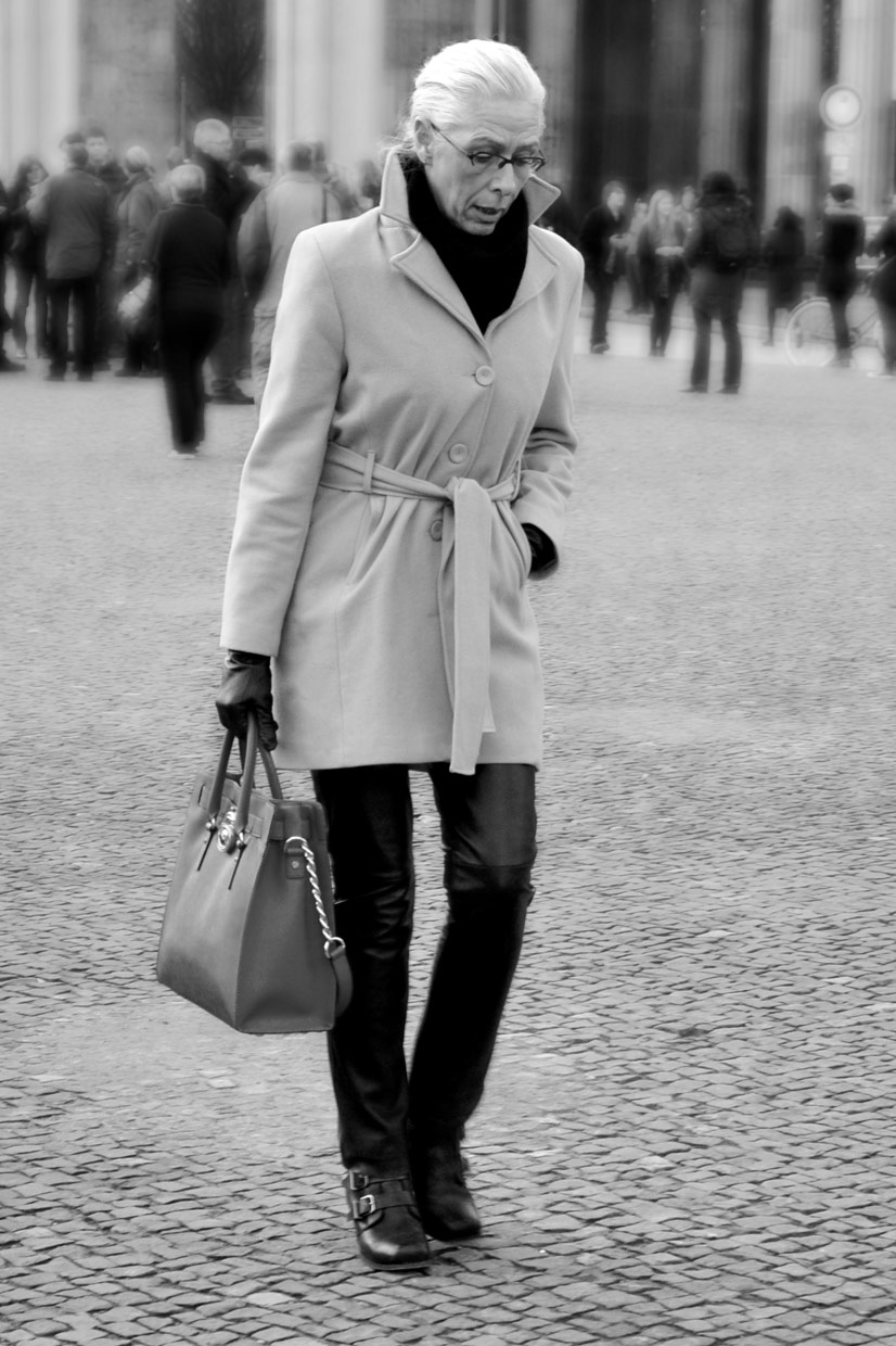 Lady in Thoughts at Brandenbruger Tor, Berlin 2014, This Is Hype - We hate Fashion, but we love the People who wear it!