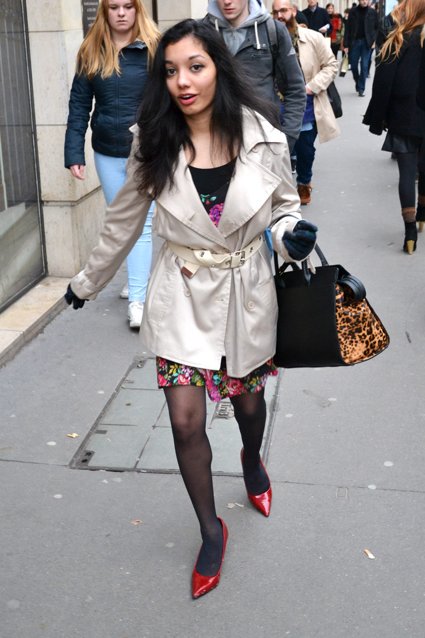 Lady stumbling on Rue Saint Honoré 3, Paris 2014, This Is Hype - We hate fashion, but we love the People who wear it!